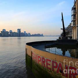 Donald Davis - Thames Sunrise