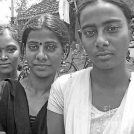 David Wenman - Three girls in Calcutta