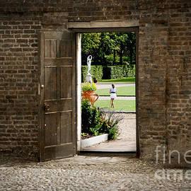 Donald Davis - Through the Garden Gate