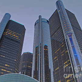 Ann Horn - Twilight at the RenCen