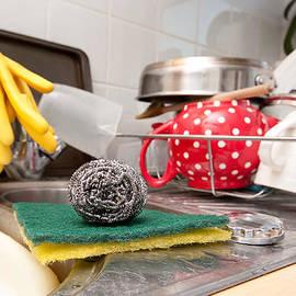 Tom Gowanlock - Washing up