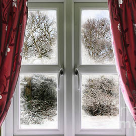Simon Bratt Photography LRPS - Window view to a snow scene