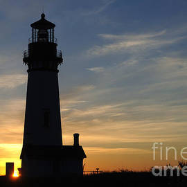 Yaquina Lighthouse by Bob Christopher