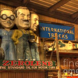 Zerolene Vintage Figures by Bob Christopher