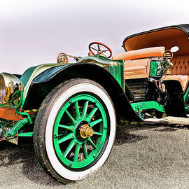 Marcia Colelli - 1914 Renault Type EF Victoria