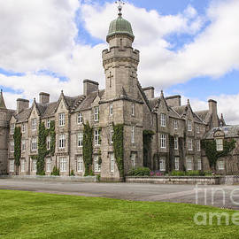 Balmoral castle in the Highlands of Scotland by Patricia Hofmeester