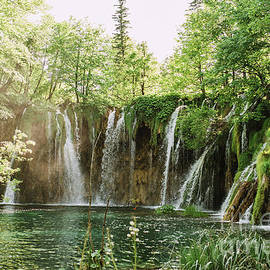 Viktor Pravdica - Beautiful waterfalls