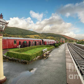 Adrian Evans - Carrog Railway Station