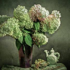 Jerri Moon Cantone - Flowers in a Vase