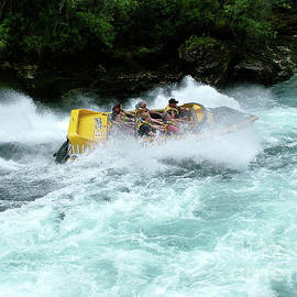 Patricia Hofmeester - Jet boat on rapids