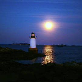 Lilia D - Lighthouse and Full moon
