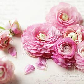 Ranunculus by Sylvia Cook