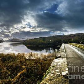 Ian Mitchell - Road To Snowdon