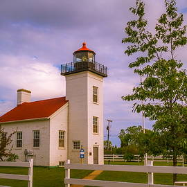 Chuck De La Rosa - Sand Point Lighthouse