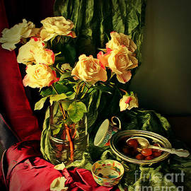 Binka Kirova - Still Life With Roses-