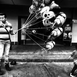 Daniel Gomez - Street Scene