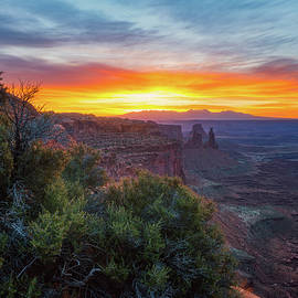 Darren White - Sunrise over Canyonlands