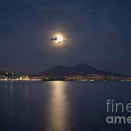 Pat Dego - Supermoon on the Vesuvius