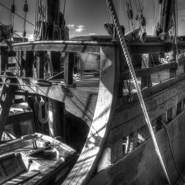 John Straton - The Nina and Pinta Columbus Replica Ships  v10