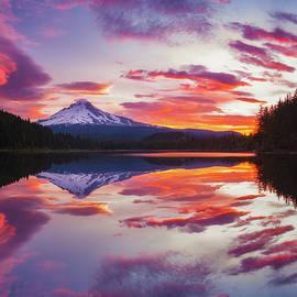 Trillium Lake Sunrise - Darren White