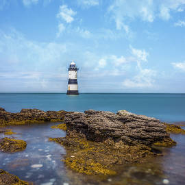 Ian Mitchell - Trwyn Du Lighthouse