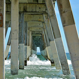 Wrightsville Beach Fishing Pier by Sandi OReilly