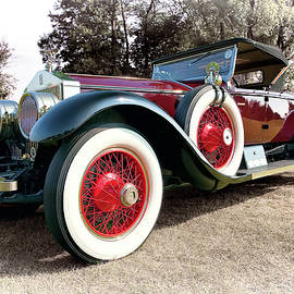 1925 Rolls Royce Silver Ghost Piccadilly Roadster by Marcia Colelli