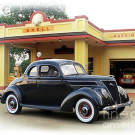 1937 Ford, Vintage Shell Station