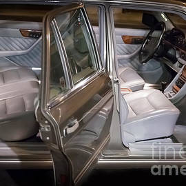 1990 Mercedes Sel Interior by Gunter Nezhoda