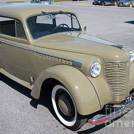 Opel 1947 by Esko Lindell