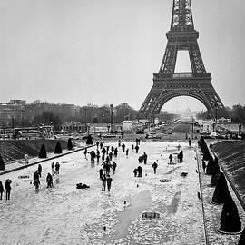 Paris Eiffel Tower. by Cyril Jayant