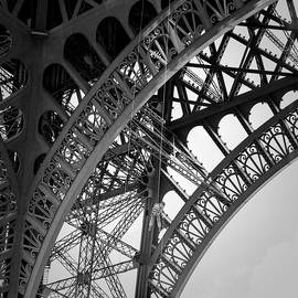 Tour Eiffel  by Cyril Jayant