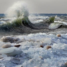 Winter Waves At Whitefish Dunes by David T Wilkinson