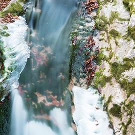 Nicola Simeoni - Games of winter water. Ice.