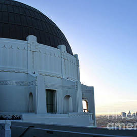 Griffith Observatory by Gregory Dyer
