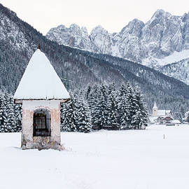 Nicola Simeoni - Idyllic Landscapes Immersed In The Snow. The Dream Of The Julian Alps And Valbruna