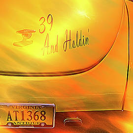 39 And Holdin' by Jim Love