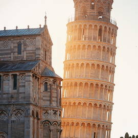 Leaning Tower In Pisa by Songquan Deng
