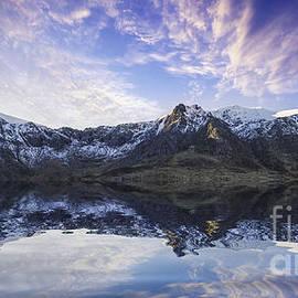 Lake Idwal by Ian Mitchell