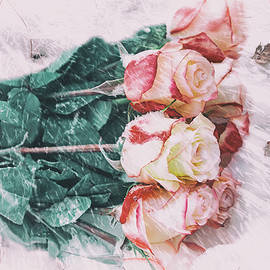 Galina Tolochko - A bouquet of fresh roses in the snow during a Blizzard. Forgotte