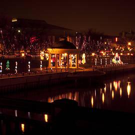 Deborah Klubertanz - A Downtown Christmas