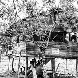 Al Bourassa - A Hot Family In Panama