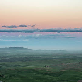 A Pastel Sunset In Palouse. by Usha Peddamatham
