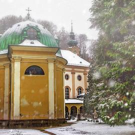 Carol Japp - A Snowy Day in Salzburg Austria