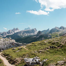 Nicola Simeoni - A trail between the mountains. Dream Dolomites ...