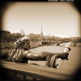 Mike McGlothlen - A Walk Through Paris 7