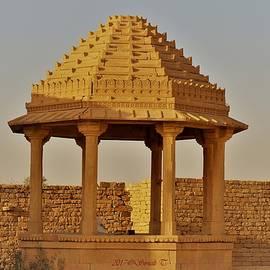 Sonali Gangane - Abandoned gazebo in Kuldhara