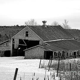 Olivier Le Queinec - Abandoned Maine Barn in Winter