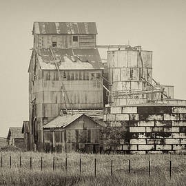 Abandoned Silos by Jurgen Lorenzen