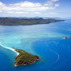 PETER HARRISON - Aerial Of Langford Reef, Whitsundays